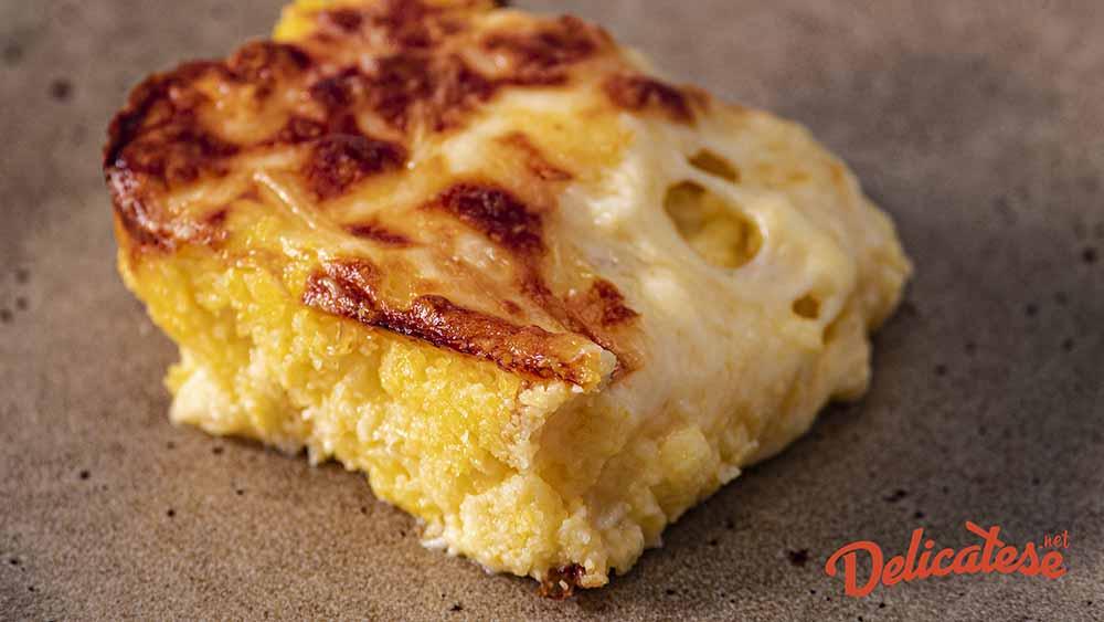 Mamaliga cu brânza si smântâna (4 servings)